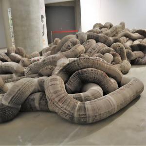 市原湖畔美術館で、 『雲巻雲舒 (うんかんうんじょ) ‐ 現代中国美術展・紙』 を見ました。