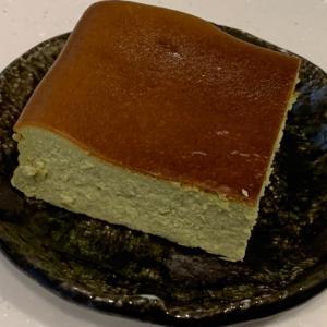 アレンジでチーズケーキに抹茶を入れて