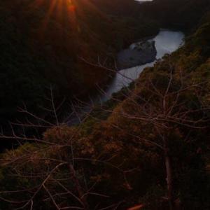 たまには朝日でもカメラを手に【屋久島風景写真:PENTAX K-1とD FA24-70mm F2.8】