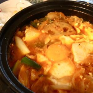 寒すぎる〜熱々の純豆腐チゲで幸せのお昼ごはん