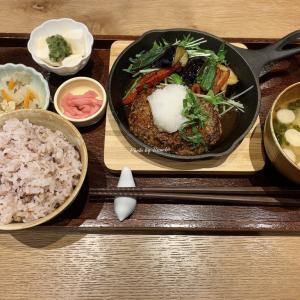 【カフェソラーレTsumugi】和カフェでスキレット和風ハンバーグ~醤油麹~と和栗のモンブラン