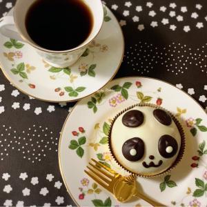 【飯田橋】シュークリームのヒロタ飯田橋メトロ店限定『パンダシュー』