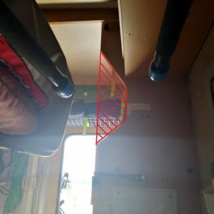 ブームを収納し難いので、壁をカット!(^▽^)b