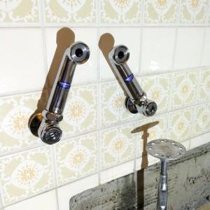 バスタブ固定、 洗面所フロア張り