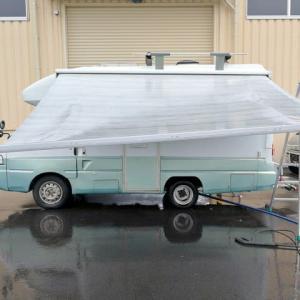 雨の中で洗車