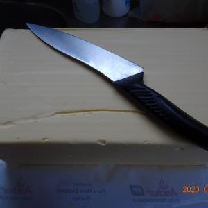 バターの切り分け