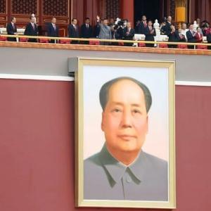 中国共産党創立100年、なぜ習近平は人民服姿で登壇したか