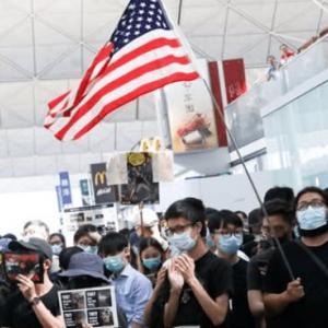 香港騒動で無関心だったトランプ大統領が踵を返し、英雄になる