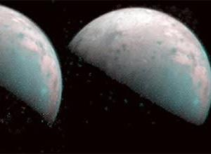 NASAジュノーが木星の衛星のガニメデの北極の最初の画像を撮る