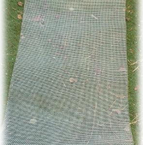 その4 次女庭リフォーム 小道&アーチ フェンスに網貼り
