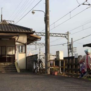 伊賀鉄道と案山子(三重県)