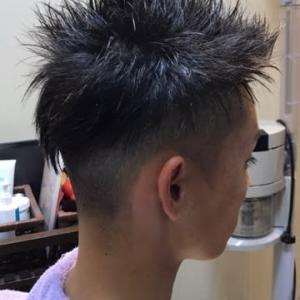 楽しさ伝わる 自由な髪型