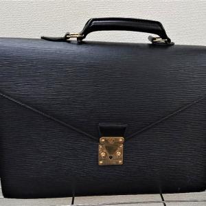 KAIMAX赤羽 質店 買取店 ルイヴィトン タイガ ビジネスバッグ お買取りしました。