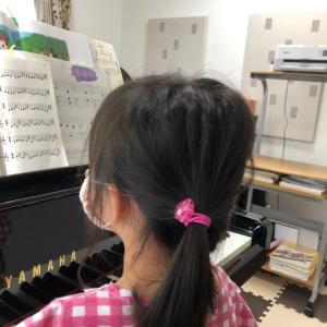 姉妹の生徒さん達もひとりデビューレッスンで凄い集中力にびっくり。