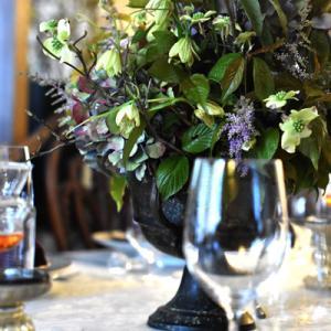 ニュアンスカラーな紫陽花でテーブルフラワー