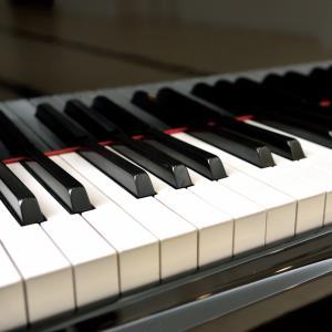 梅田のピアノレッスンでヨーロッパのスタイルで学ぶ!