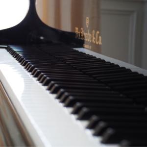 梅田のピアノレッスンで本物の和声法を学ぼう!