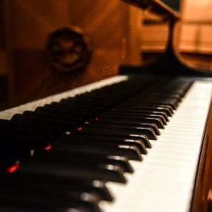 ③ピアノ発表会の選曲にはルロイ・アンダーソン作曲「そりすべり」