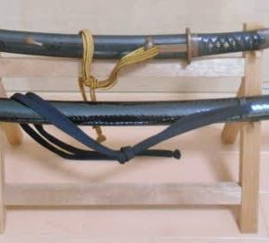 貯金箱かん展示の刀剣を寄託しました。