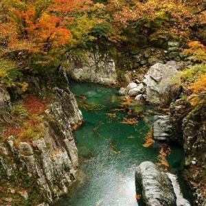 紅葉の玉川渓流 番外編(飯豊山荘)