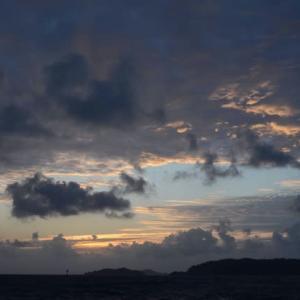 台風12号接近中の朝焼け