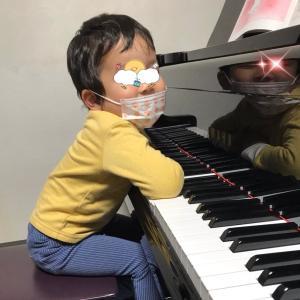 4歳双子ちゃんがご入会、お兄ちゃんの初レッスンをしました。
