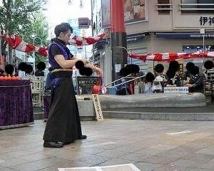 2019大須大道町人祭…まねき猫のある大須ふれあい広場にて…感動に包まれるジャグリング!!最高の…桔梗ブラザーズ!!