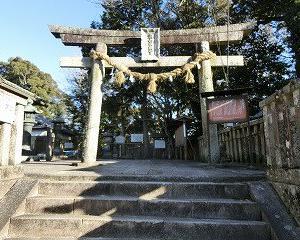 岡崎の瀧山東照宮を参拝する…そこでは神様になった気分に???…笑