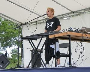 あいち健康の森公園にて「日本大道芸フェスティバル」2日目…まずは、芝生広場で「こまつ」さんの演奏を「野外フェス」気分で楽しむ!