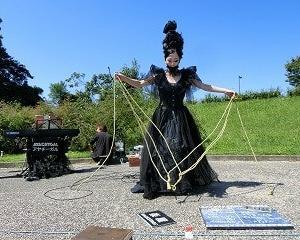 2020年秋…モリコロ大道芸フェスティバル初日…円形広場で「AYACHYGAL」のシャンソンショー!