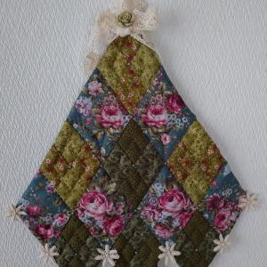 ローズフラワーツリーの壁飾り