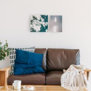 暗い部屋を明るく見せる壁面インテリア ウェブマガジン「写真と、ちょっといい暮らし」掲載