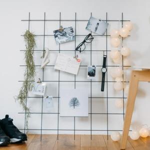 ワイヤーネットで実用とおしゃれを両立したインテリア|ウェブマガジン「写真と、ちょっといい暮らし」掲載