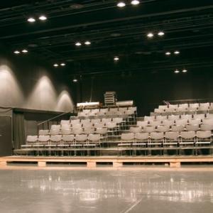 美咲さん出演舞台を見に行く