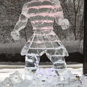 氷の彫刻 2