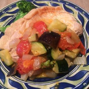 桑山農園さんの夏野菜を使い「夏野菜ソースたっぷり豚肉ソテー」✨