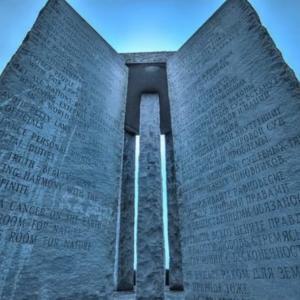 闇の支配者300委員会の人類抹殺計画 ジョージア・ガイドストーン