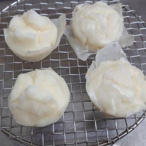米粉蒸しパン試作。米粉だけだとなかなか難しいですね~。
