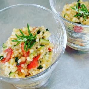 ある日の雑穀料理。炊いたヒエで夏サラダ作りました♪