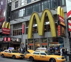 アメリカ「マックの飲み物はドリンクバー形式」日本「おー、太っ腹!」アメリカ「じゃあ・・・」