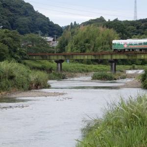 原谷川に掛る橋梁と天浜線車両