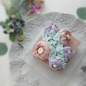 アンティークのお花のケーキ☆フラワーケーキ認定講座♪