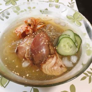 お昼は韓国風冷麺