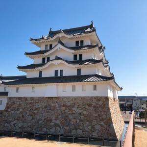 昨年再建された尼崎城夜はライトアップしています#尼崎城#尼崎市 #城