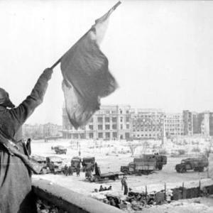 1943年2月2日:スターリングラードでドイツ軍降伏