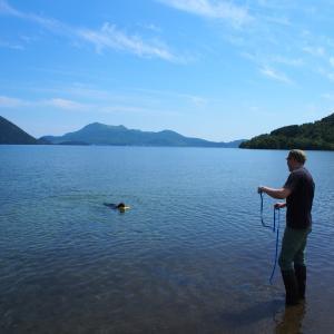 洞爺湖で泳ぎ初め!