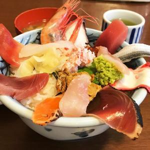 はみでる海鮮丼❤️茨城那珂湊おさかな市場の東光庵