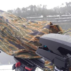 野鳥撮影必須アイテム「カモフラージュレインカバーDX」