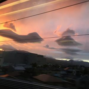 レンズ雲だらけの空