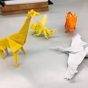 【日々のできごと】折り紙で立体モンスターボール